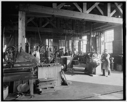 stove-factory-in-michigan-1900